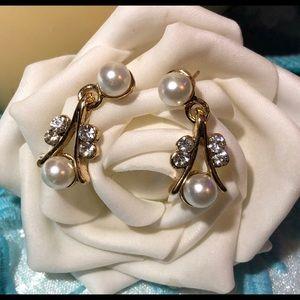 Rhinestone and pearl dangle gold earrings